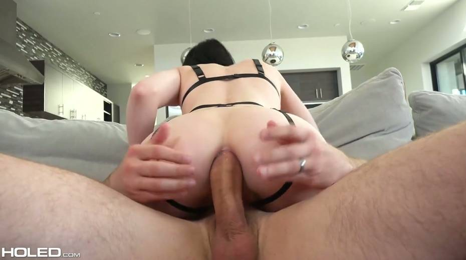Kinky dude makes use of sex toys to stretch Alex Harper's anal hole - 16. pic