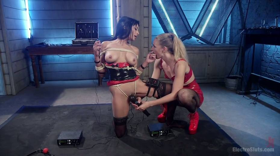 Lecherous porn model Beretta James is punished by electro slut - 3. pic