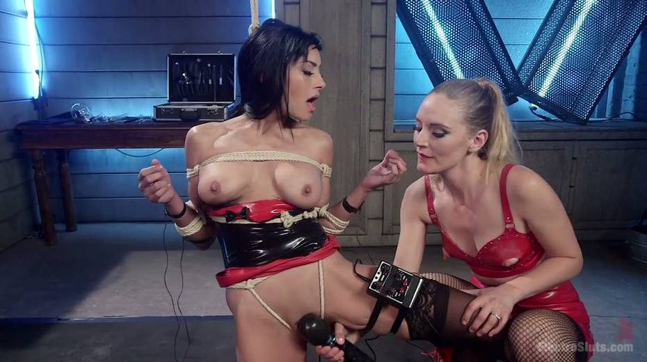 Lecherous porn model Beretta James is punished by electro slut - 4. pic