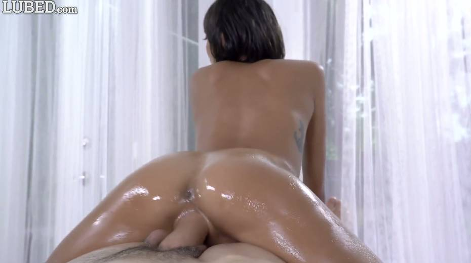 Eye-catching babe with juicy boobs Janice Griffith gets lubed and fucked - 12. pic