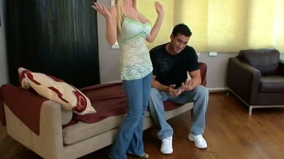 Juggy blonde Nikki Benz hooks up with one dude living nextdoor - 3. pic