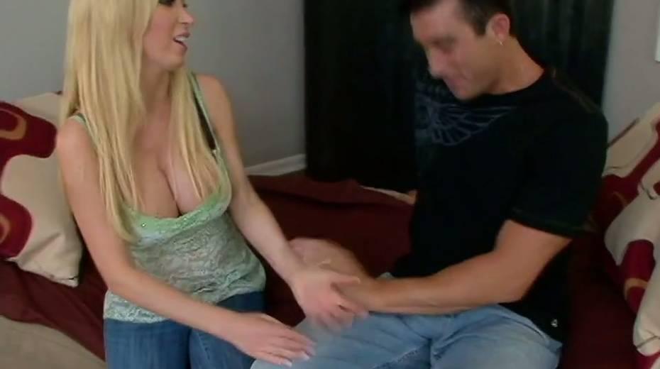 Juggy blonde Nikki Benz hooks up with one dude living nextdoor - 4. pic