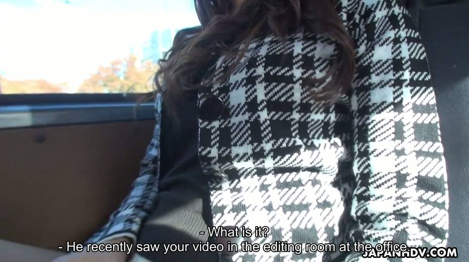 Japanese chick Maki Hojo gives a good blowjob in the car to one horny driver - 12. pic