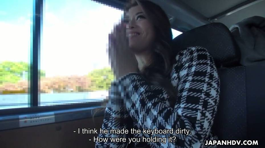Japanese chick Maki Hojo gives a good blowjob in the car to one horny driver - 13. pic