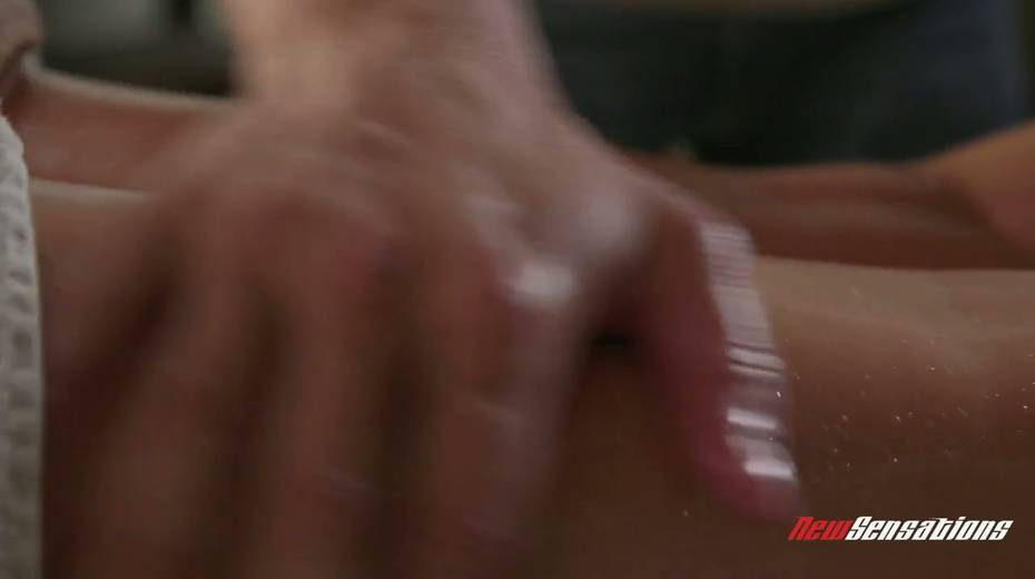 Mouth watering seductress Skyla Novea hooks up with her masseur - 3. pic