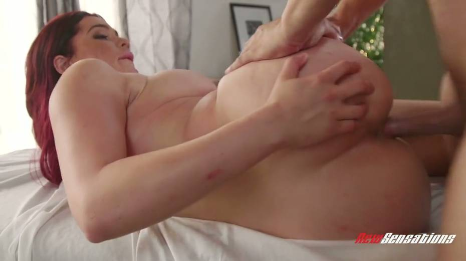 Mouth watering seductress Skyla Novea hooks up with her masseur - 15. pic