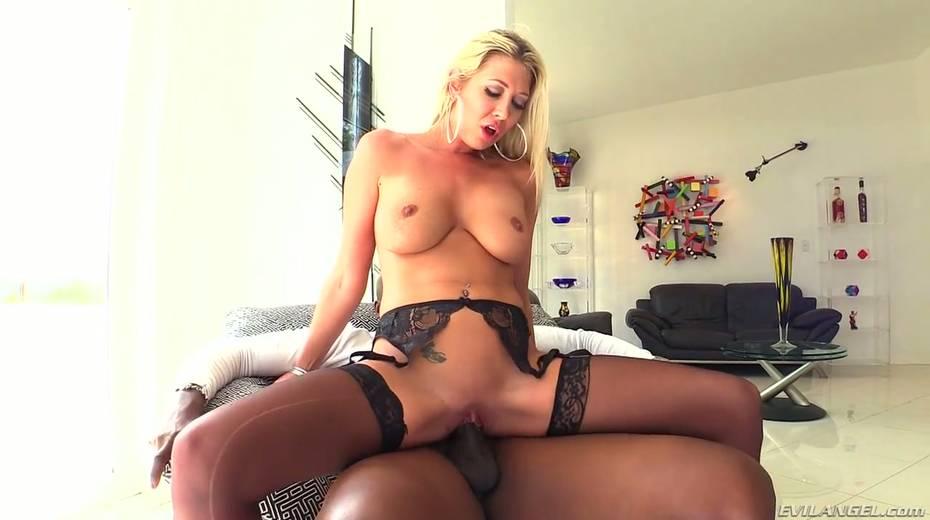 Seductive hottie Lexi Lowe enjoys having dirty interracial anal sex - 8. pic