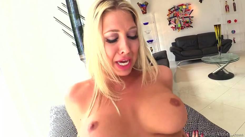Seductive hottie Lexi Lowe enjoys having dirty interracial anal sex - 10. pic
