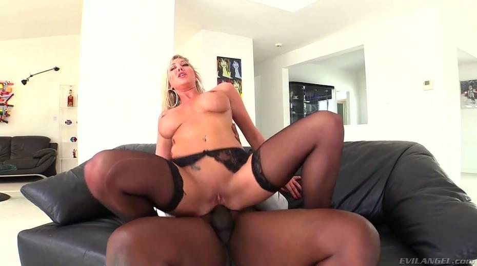 Seductive hottie Lexi Lowe enjoys having dirty interracial anal sex - 23. pic