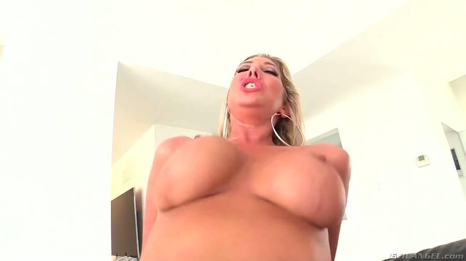 Seductive hottie Lexi Lowe enjoys having dirty interracial anal sex - 27. pic