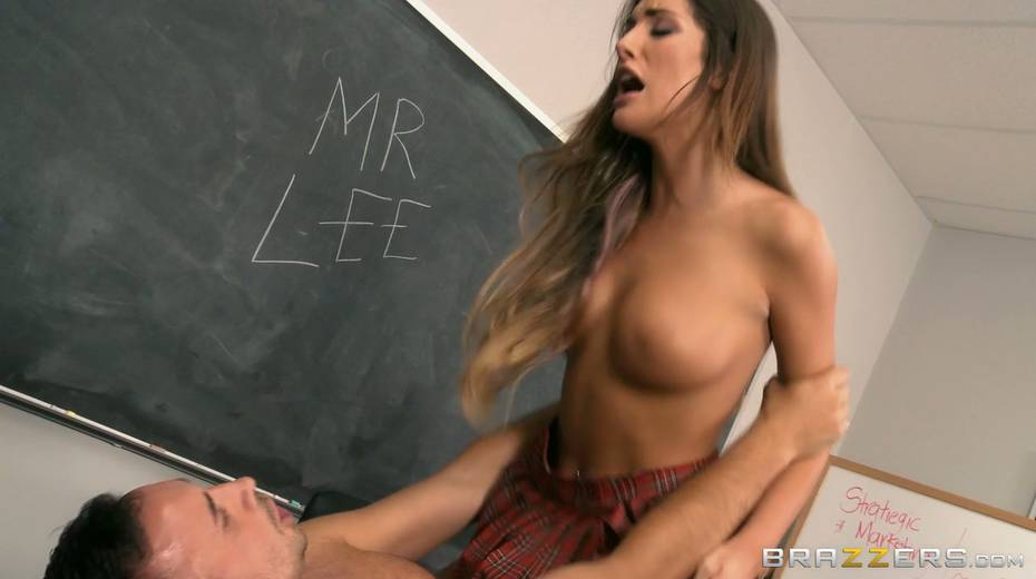 Now that is a good coed and she knows how to sexually satisfy her teacher - 10. pic