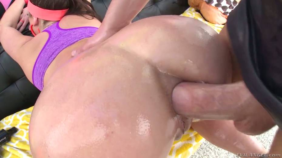 Huge aggressive wang invades anus of slutty busty chick Angela White - 19. pic