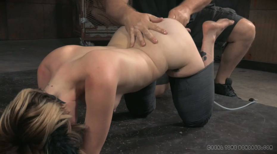 Pervert fucks anal hole of sex-slave with sex toy right on the cold floor - 9. pic