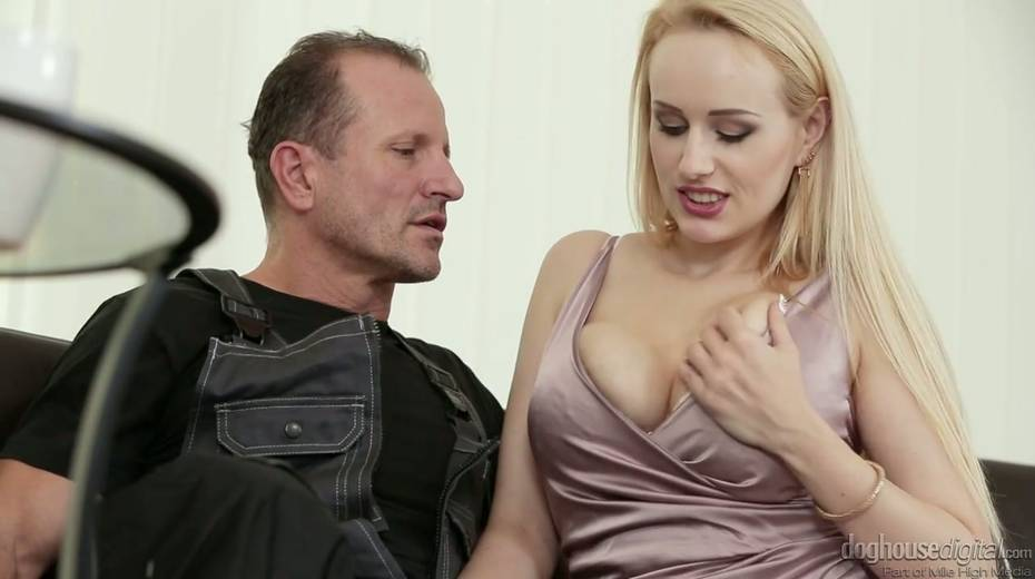 Graceful babe Angel Wicky squirts during hardcore pussy pounding - 2. pic