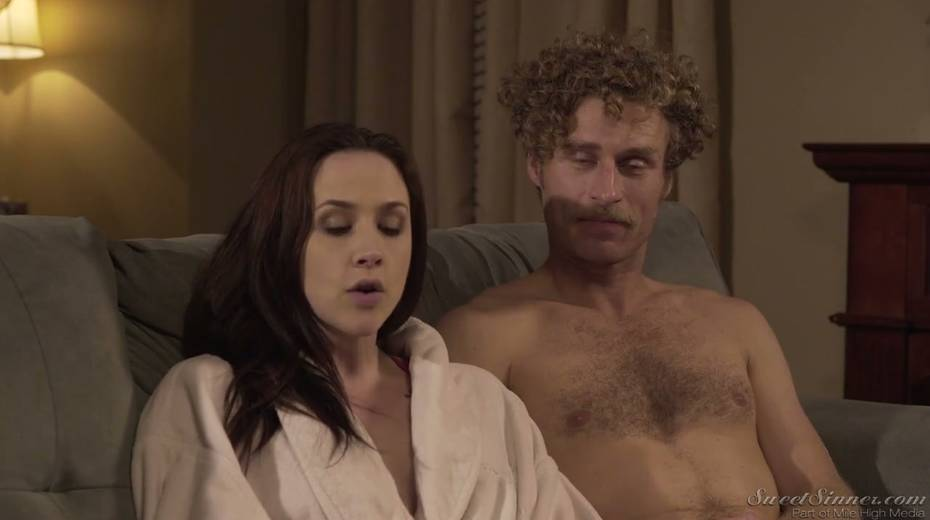 Sextractive porn actress Chanel Preston gives and interview - 1. pic