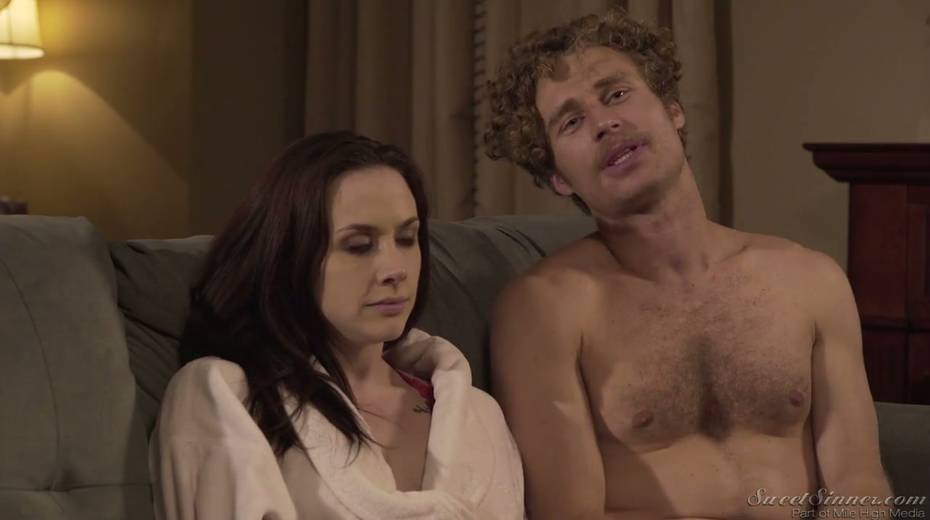 Sextractive porn actress Chanel Preston gives and interview - 4. pic