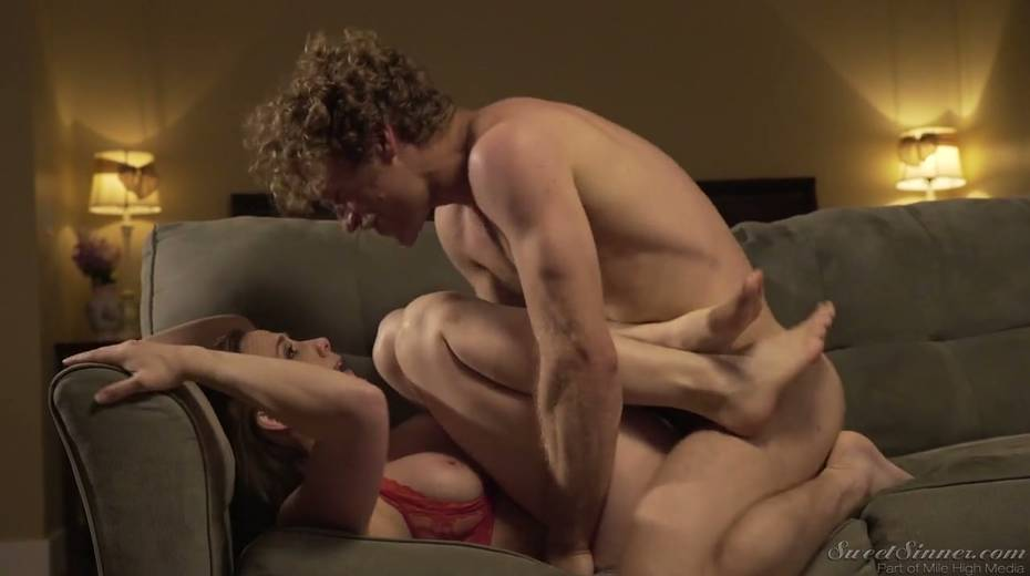 Sextractive porn actress Chanel Preston gives and interview - 8. pic