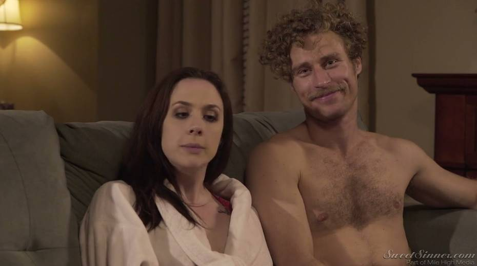 Sextractive porn actress Chanel Preston gives and interview - 19. pic
