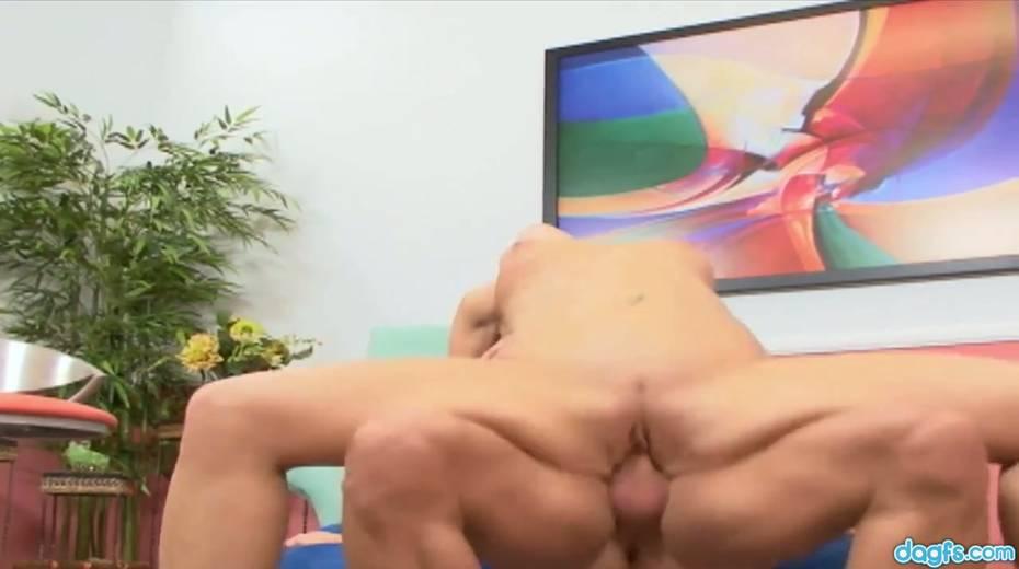 Bald headed dude picks up and fucks flexible blond chick Viki La Vie - 20. pic