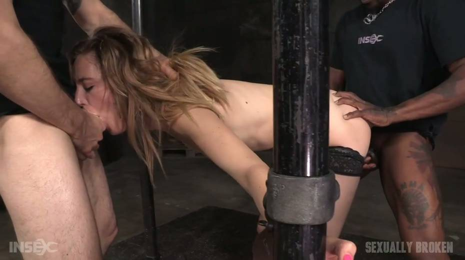 Whore Mona Wales is punished by kinky dude in the cold and dark room - 12. pic