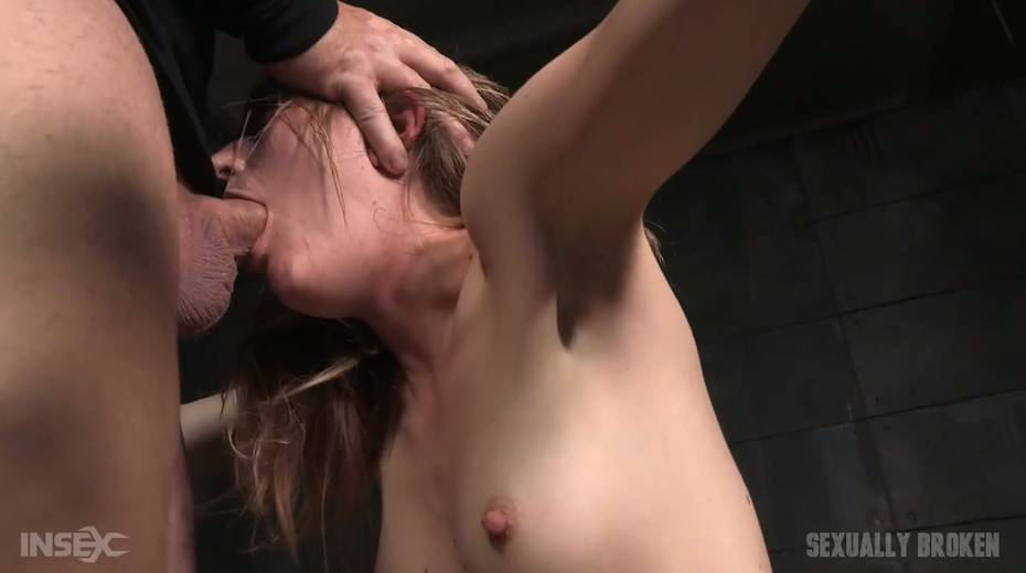 Whore Mona Wales is punished by kinky dude in the cold and dark room - 24. pic