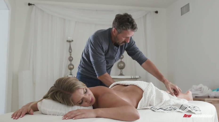 Masseur gets horny and can't resist fucking killing hot client Candice Dare - 3. pic