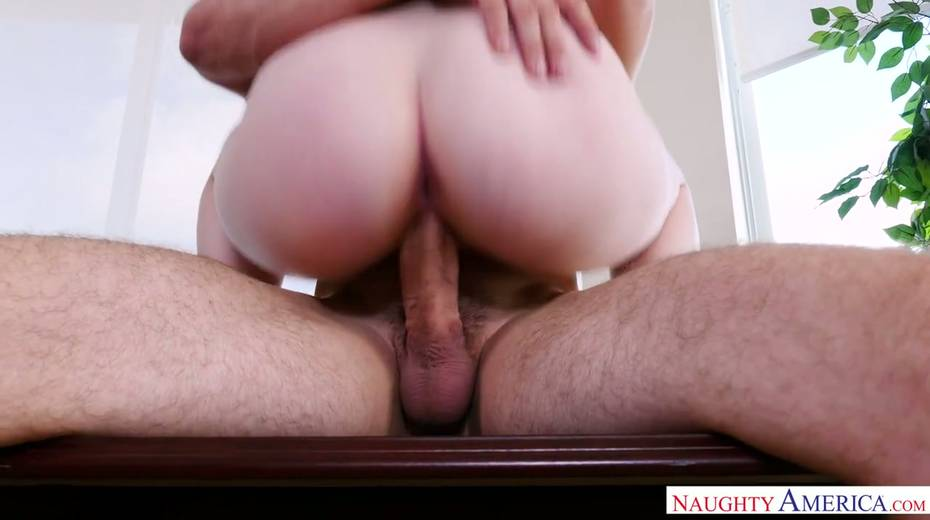 Bald headed hunk J Mac fucks pretty blonde Lily Rader and makes her cunt stretched - 18. pic