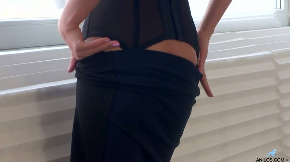 Gorgeous milf in stockings Dominica Phoenix is finger fucking pussy doggy style - 5. pic