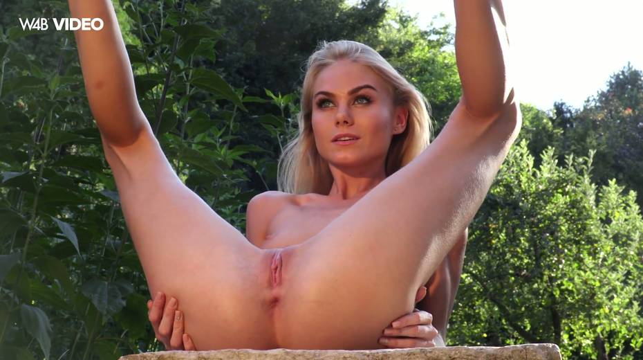 leggy hottie Nancy A shows her pussy stuffed with jewel anal plug - 7. pic