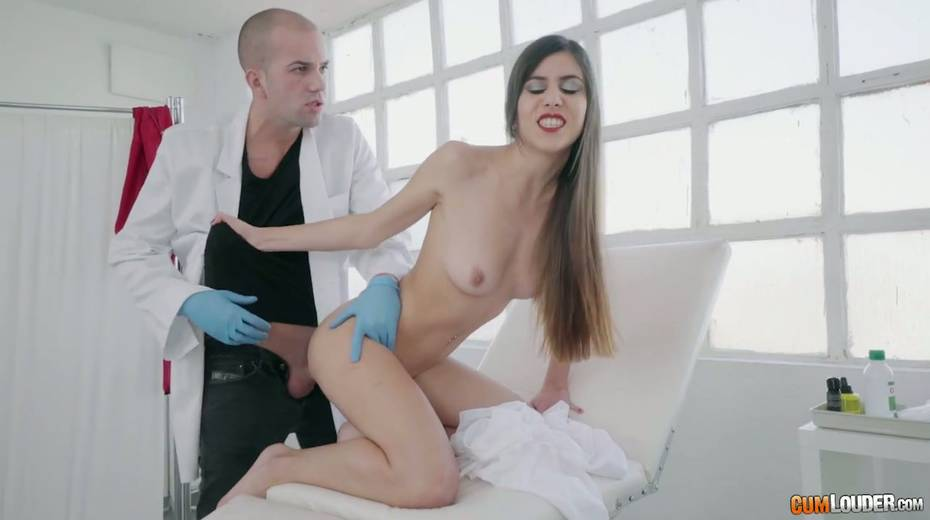 Turkish babe Anya Krey ask doctor to stretch her super tight anal hole - 10. pic