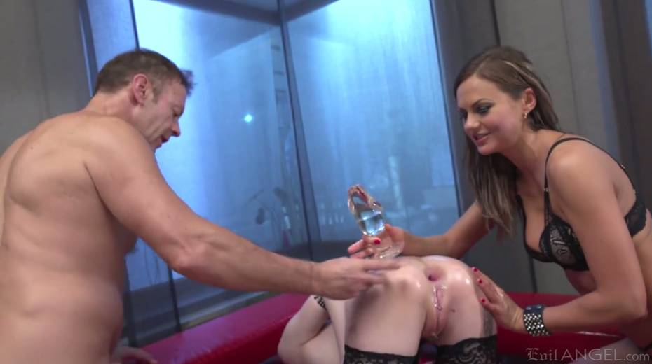 Italian stud Rocco fucks stretched anal holes of two seductive girlfriends - 6. pic