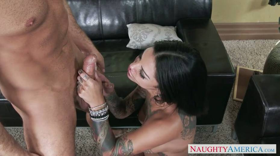 Seductive brunette milf provides her young boss with great blowjob - 6. pic