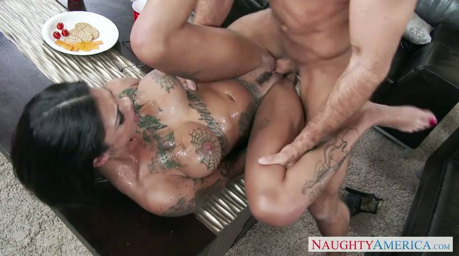 Seductive brunette milf provides her young boss with great blowjob - 15. pic