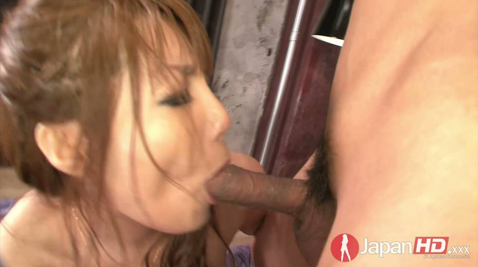 Two dudes fuck nasty Asian chick Yuna Hirose and makes her slit stretched - 13. pic