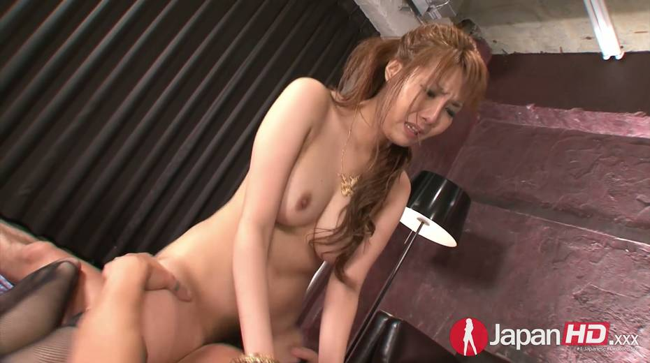 Two dudes fuck nasty Asian chick Yuna Hirose and makes her slit stretched - 25. pic