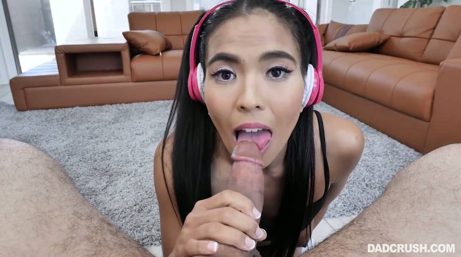Asian stepdaughter Jada Kai gives a good POV blowjob to her horny step daddy - 17. pic