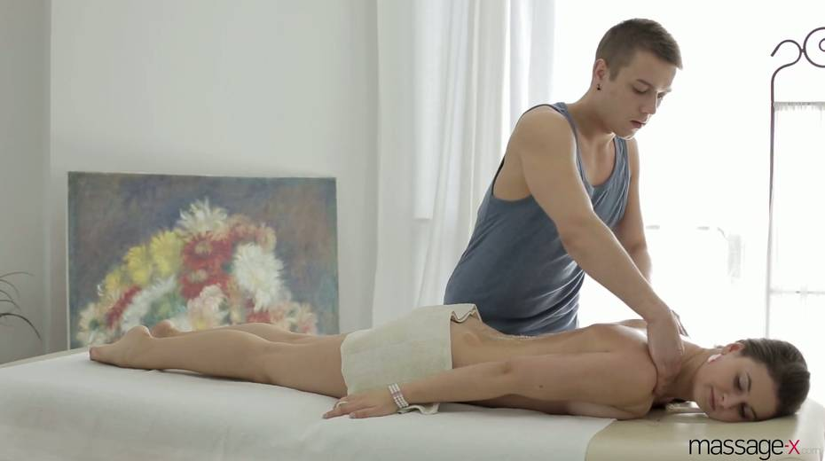 Young masseur fucks anus and wet pussy of Russian client Vika Volkova - 6. pic