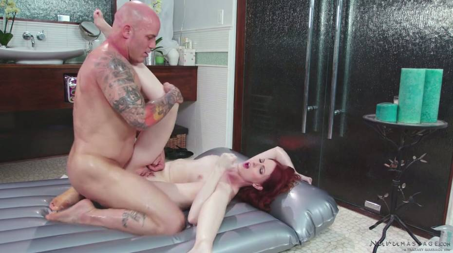 Red haired seductress Alex Harper is pleasing her regular client - 27. pic