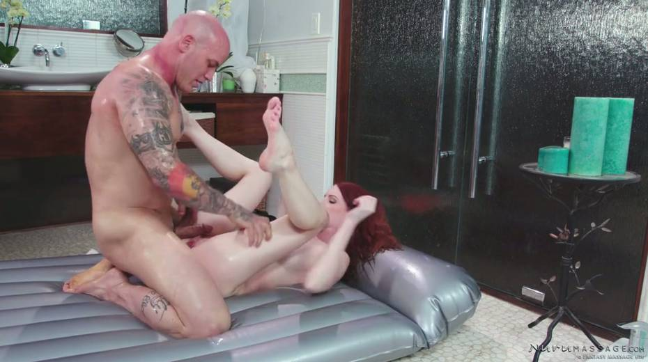 Red haired seductress Alex Harper is pleasing her regular client - 28. pic
