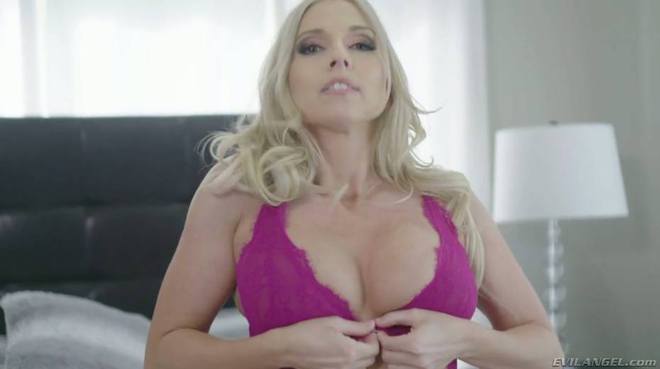 BBC fucks amazing beauty Christie Stevens and cums in her mouth - 3. pic
