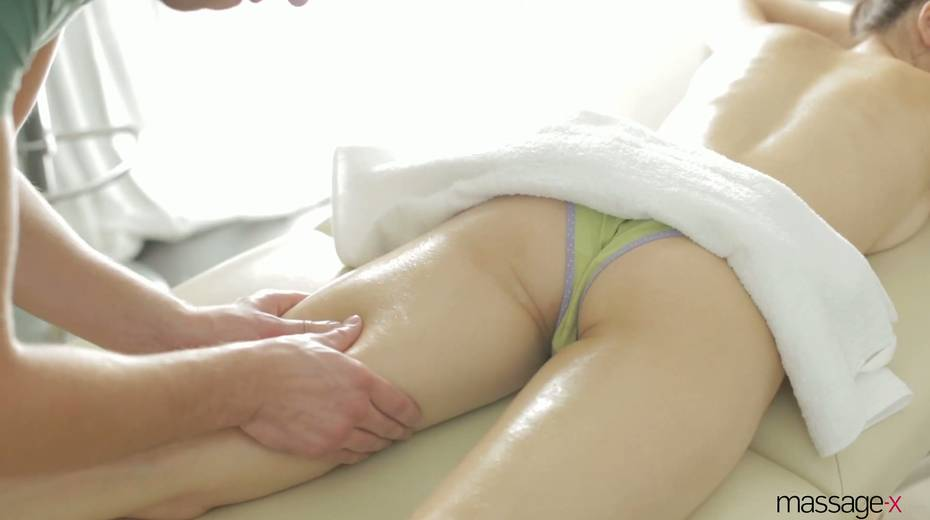 Real charmer Margarita C Peachy is oiled up and fucked on the massage table - 6. pic