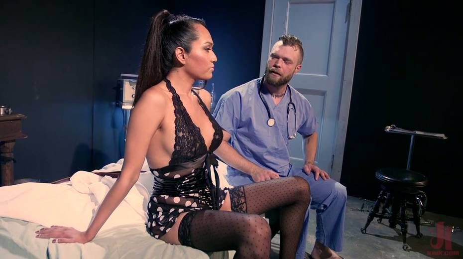 Ebony shemale Jessica Fox is fucking hairy anus of bisexual dude - 2. pic