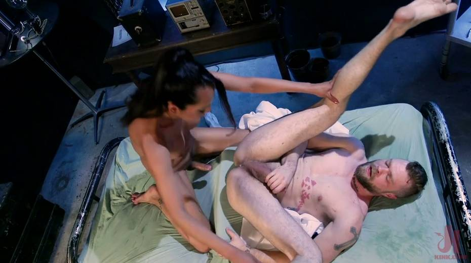 Ebony shemale Jessica Fox is fucking hairy anus of bisexual dude - 18. pic