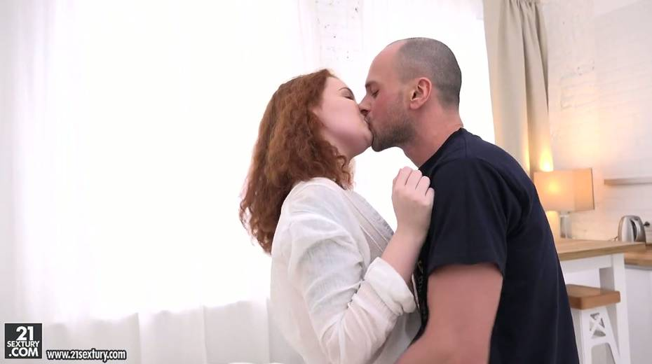 Russian red head Shelley Bliss gives her head and rides a dick face to face - 3. pic
