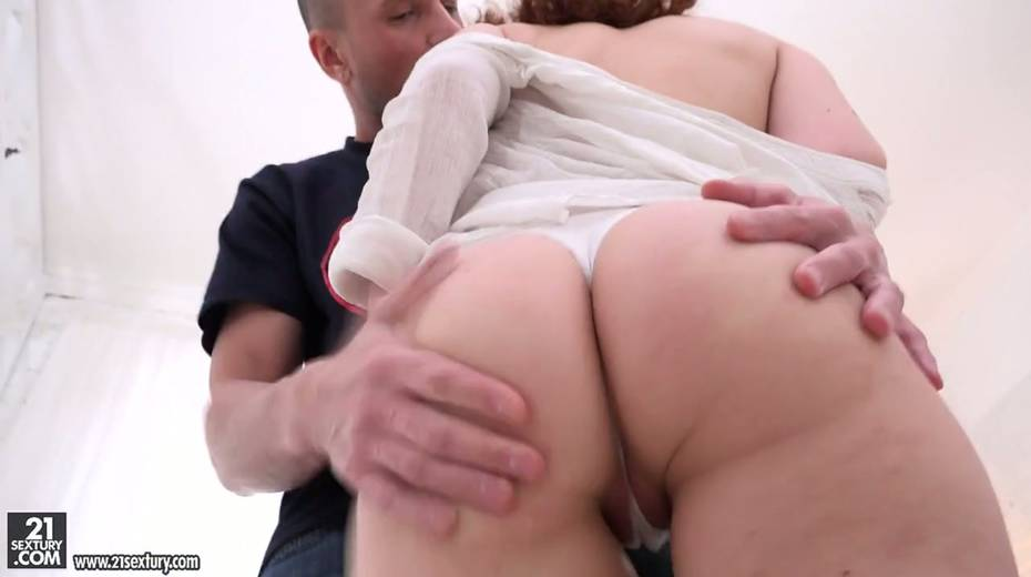 Russian red head Shelley Bliss gives her head and rides a dick face to face - 4. pic