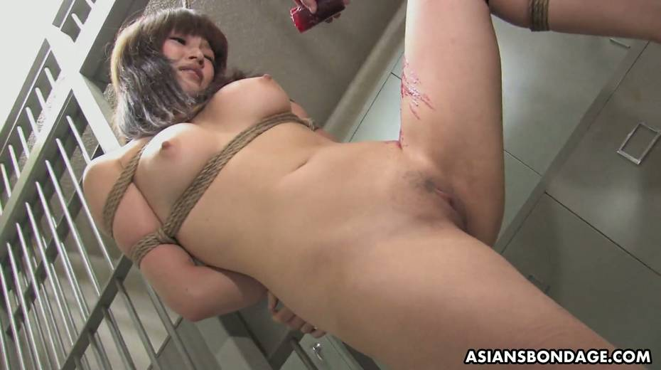 Kinky dude fucks tied up Japanese chick Yukina Mori and cums in her muff - 2. pic