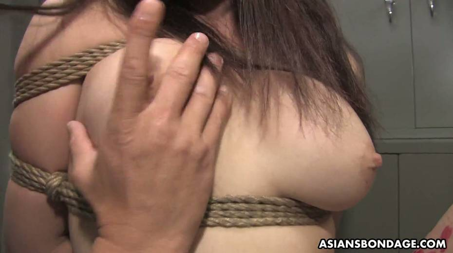 Kinky dude fucks tied up Japanese chick Yukina Mori and cums in her muff - 5. pic