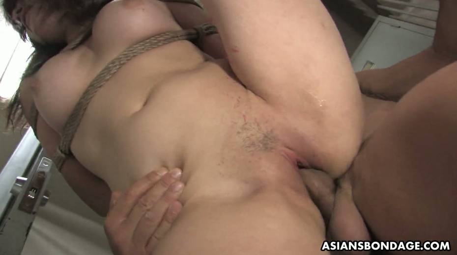 Kinky dude fucks tied up Japanese chick Yukina Mori and cums in her muff - 11. pic