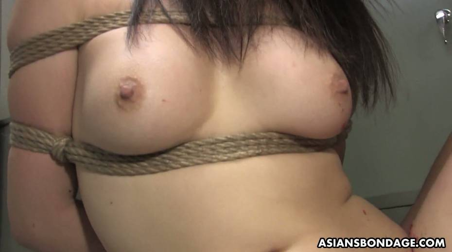 Kinky dude fucks tied up Japanese chick Yukina Mori and cums in her muff - 19. pic