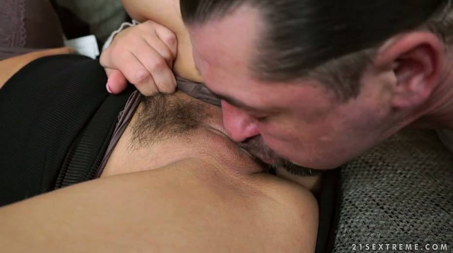 Four eyed bitch Shona River gets her pussy licked and fucked - 3. pic